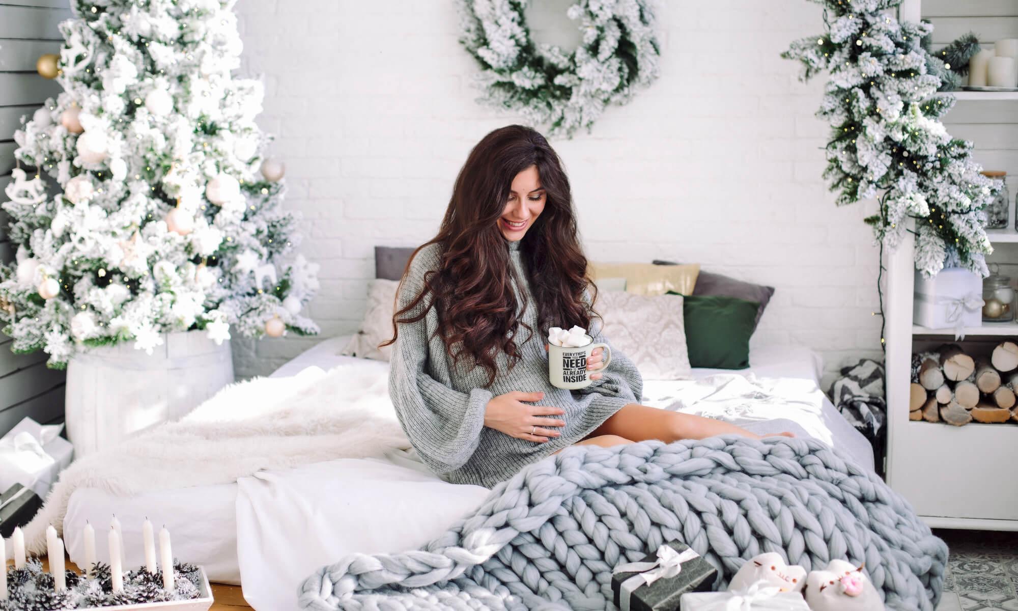 Фотосъемка для беременной в студии на Новый год