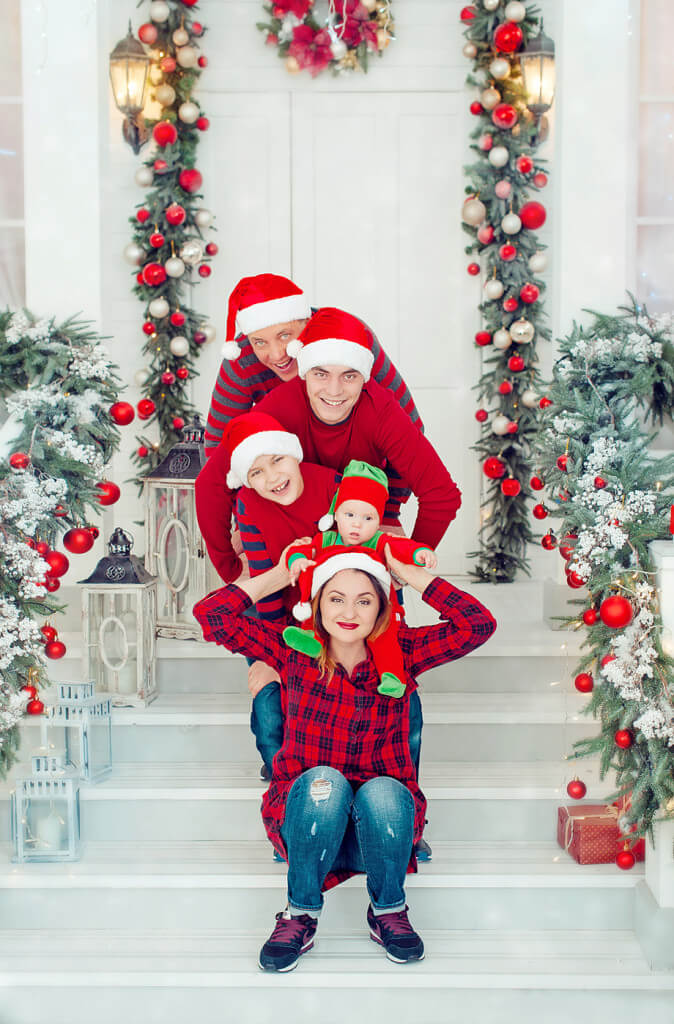 Фотосессия на Новый год для всей семьи в студии